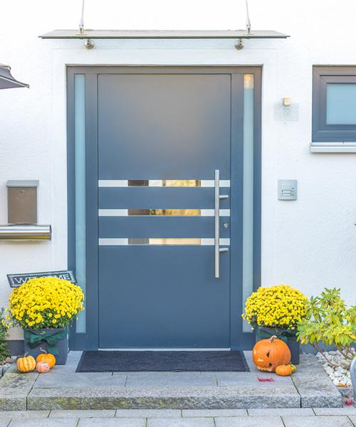 Haustüren aus Aluminium kleben