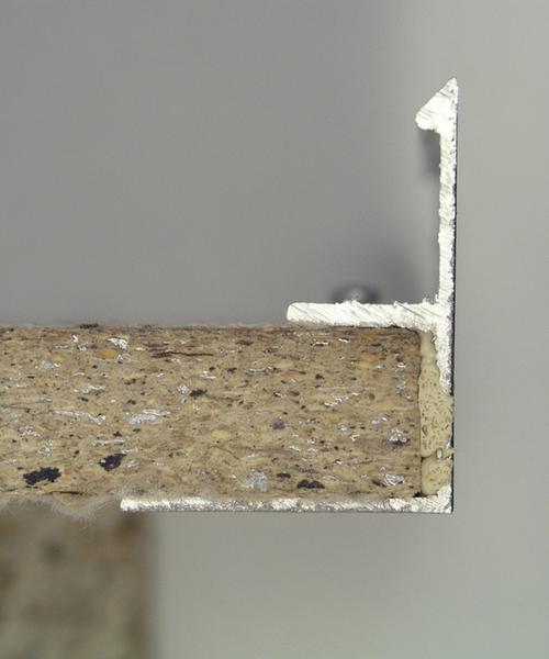 Eckwinkelklebung kombinierter Materialien